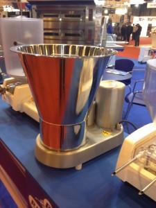 Montadora de nata para pastelerías y cafeterías