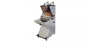 Maquina para elaborar planchas de bizcocho