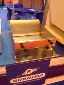 Escudilledora o maquina de planchas de bizcocho de sobremesa