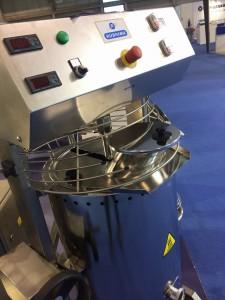 Cocedor de cremas o amasadora en caliente de 100 litros